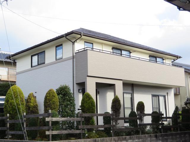 Y様ご邸宅/2013年12月竣工 外壁:ナノコンポジットW 屋根:ヤネフレッシュSi