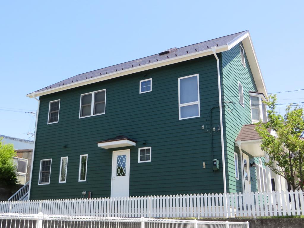 M様ご邸宅/2015年5月竣工 外壁:ナノコンポジットW/屋根:クールタイトSi 竣工3