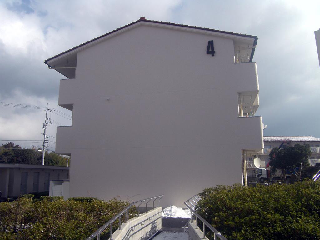 島根県営住宅(松江市新古曽志団地)4号棟外壁改修外工事 竣工1