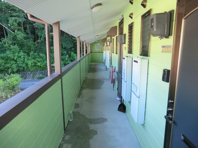 コーポセピア/2012年9月竣工 超低汚染型NAD特殊ポリウレタン樹脂塗料 竣工 2F廊下