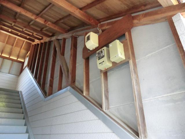 コーポセピア/2012年9月竣工 超低汚染型NAD特殊ポリウレタン樹脂塗料 着工前 階段室
