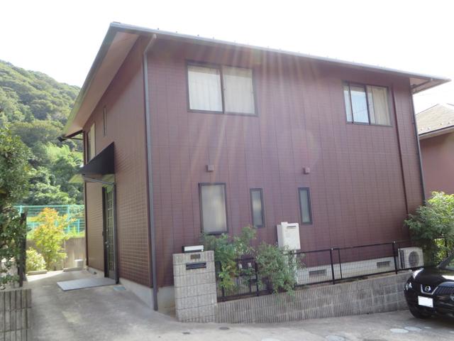 K様ご邸宅/2013年10月竣工 外壁:クリーンマイルドシリコン 屋根:ヤネフレッシュSi 竣工1
