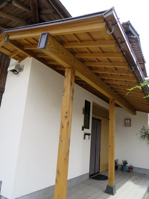 K様ご邸宅/2014年6月竣工 外壁:ナノコンポジットW 玄関木部:アク洗い+キシラデコール 竣工3