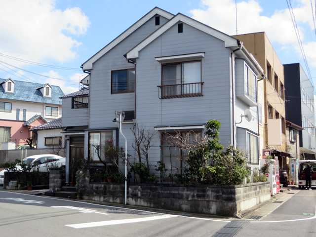 K様ご邸宅/2014年5月竣工 外壁:クリーンマイルドシリコン 屋根:ヤネフレッシュSi 着工前1