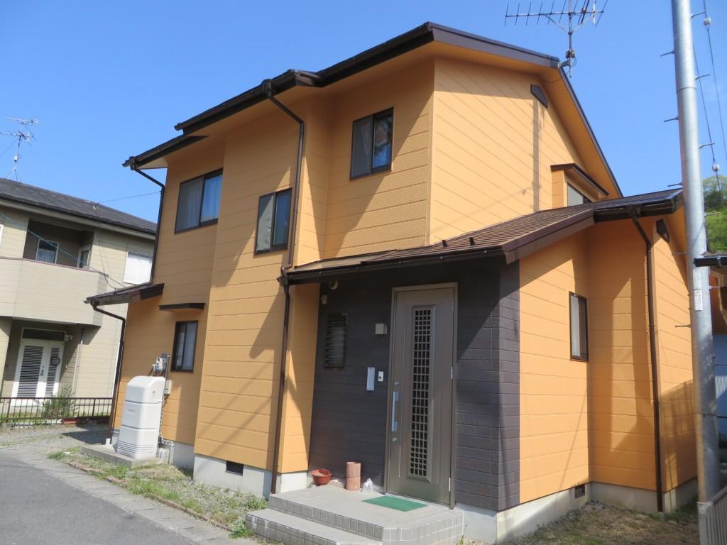 S様ご邸宅/2015年4月竣工 外壁:ナノコンポジットW/屋根:クールタイトSi 竣工1
