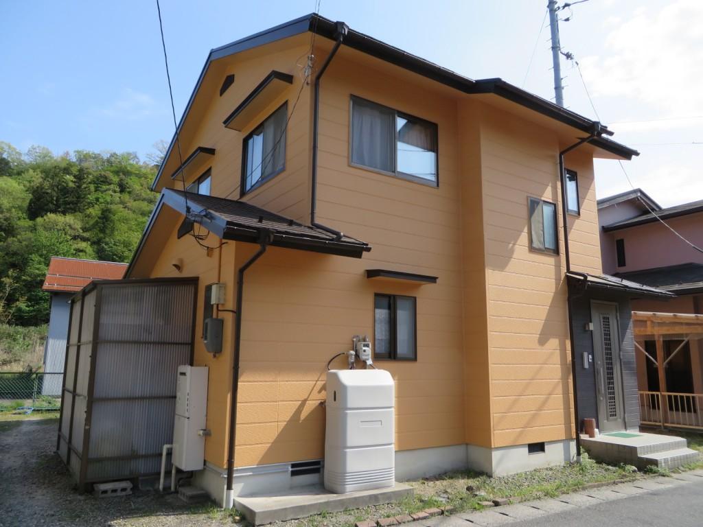 S様ご邸宅/2015年4月竣工 外壁:ナノコンポジットW/屋根:クールタイトSi 竣工2