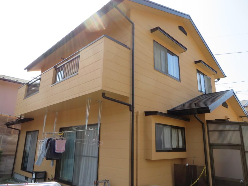 S様ご邸宅/2015年4月竣工 外壁:ナノコンポジットW/屋根:クールタイトSi 竣工3