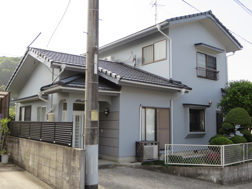 I様ご邸宅/2016年5月竣工 外壁:シリコンテックス/屋根:ヤネフレッシュSi after1
