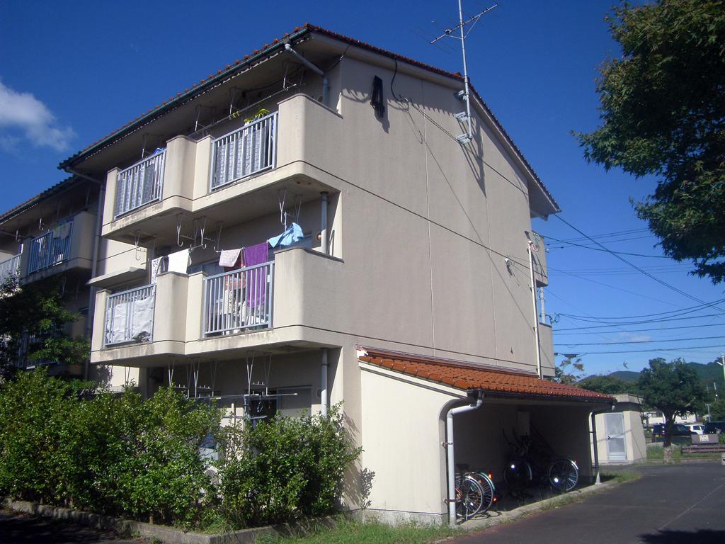 島根県営住宅(松江市新古曽志団地)4号棟外壁改修外工事 着工前2