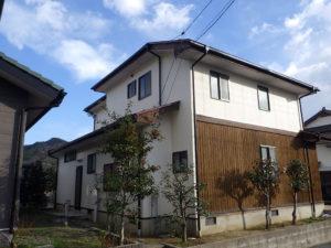 S様ご邸宅/2018年12月竣工 外壁:ナノコンポジットW/板壁:シッケンズ/屋根:クールタイトSi 竣工2