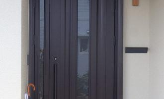 Y様ご邸宅/2018年6月竣工 外壁:セラミクリーン/屋根:クールタイトSi/玄関扉カバー工法改修 竣工4