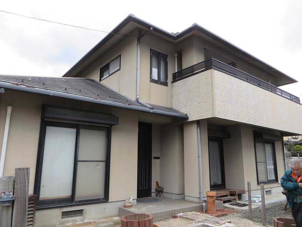 Y様ご邸宅/2018年6月竣工 外壁:セラミクリーン/屋根:クールタイトSi/玄関扉カバー工法改修 着工前1