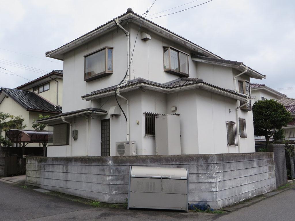 S様ご邸宅/2018年10月竣工 外壁:ナノコンポジットW/屋根:ヤネフレッシュSi/塀:ナノコンポジットW 着工前2
