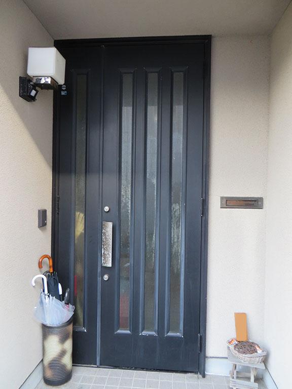 Y様ご邸宅/2018年6月竣工 外壁:セラミクリーン/屋根:クールタイトSi/玄関扉カバー工法改修 着工前4