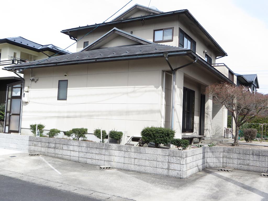 W様ご邸宅/2019年6月竣工 外壁:ナノコンポジットW/屋根:クールタイトSi/物置屋根:ポリカ張り替え
